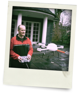 Udo Jürß, flying an early version of the md4-200 UAV.